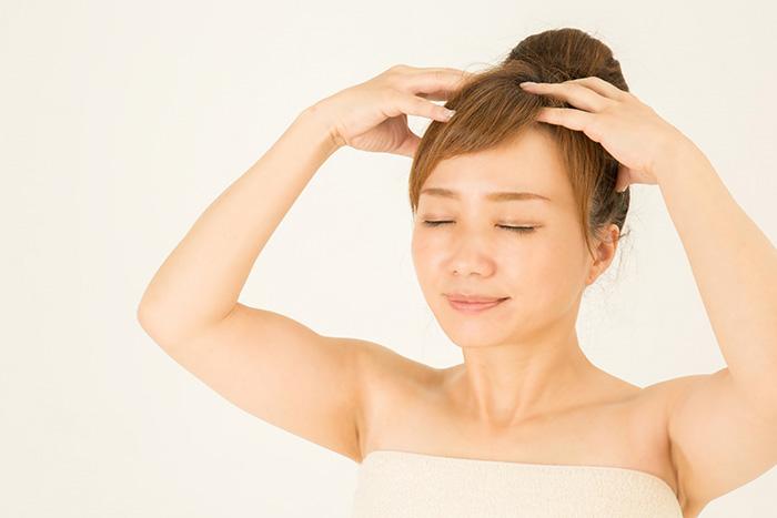 むくみ,対策,マッサージ,有酸素,運動,顔,足,水分,頭皮,毛穴
