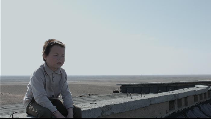 アジア,フォーカス,福岡,映画,カザフスタン,父,電話