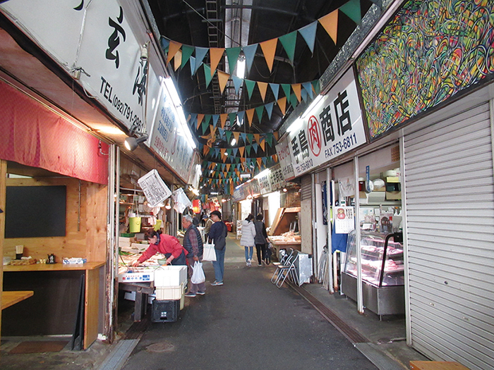 福岡,観光,柳橋連合市場,レトロ,散策,博多の台所,鮮魚