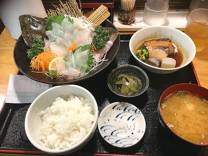 お出かけ,福岡,観光,グルメ,焼き鳥,うどん,もつ鍋,屋台,魚介類,定番