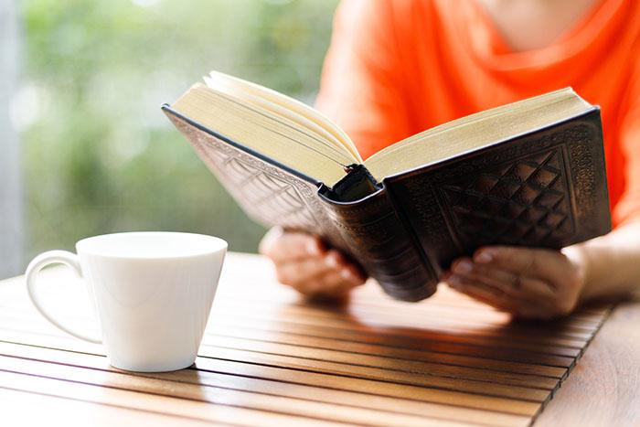 記者,ブログ,コラム,読書,読書の秋,図書館,村上春樹