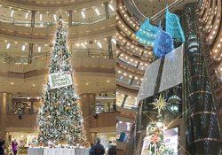 屋内九州最大級の約12mビッグクリスマスツリーも登場!