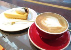タルト専門店とコーヒースタンドがコラボした素敵なカフェ